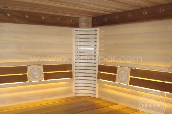 005-sauna-honey-1397B4000-0E50-2539-FA16-4B7E583C9306.jpg