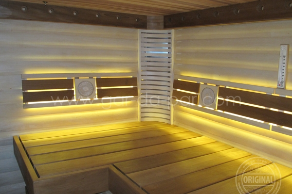 005-sauna-honey-6FBDF8E18-6FE1-5468-006F-ECF05DC85FB6.jpg