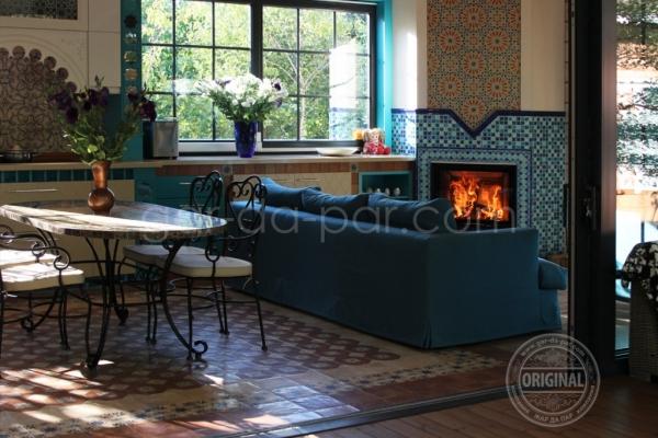 011-kaminnaya-topka-austroflamm-v-marokkanskoy-mozaike-129E9D4997-5D9B-FC0D-B7F8-A6E598A2B689.jpg
