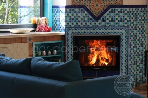 011-kaminnaya-topka-austroflamm-v-marokkanskoy-mozaike-17C07B3CC8-971C-C1B0-7F39-985AFF9E34F2.jpg