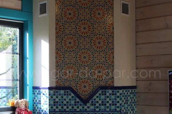 011-kaminnaya-topka-austroflamm-v-marokkanskoy-mozaike-7E8E74729-8D33-3DD4-921E-DE2DA066BC58.jpg
