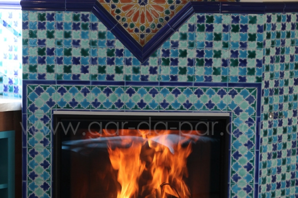 011-kaminnaya-topka-austroflamm-v-marokkanskoy-mozaike-9C64AEBE6-BD6D-BD52-95A7-0F9D5C2736F1.jpg