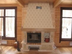 012. Камин в деревянном доме